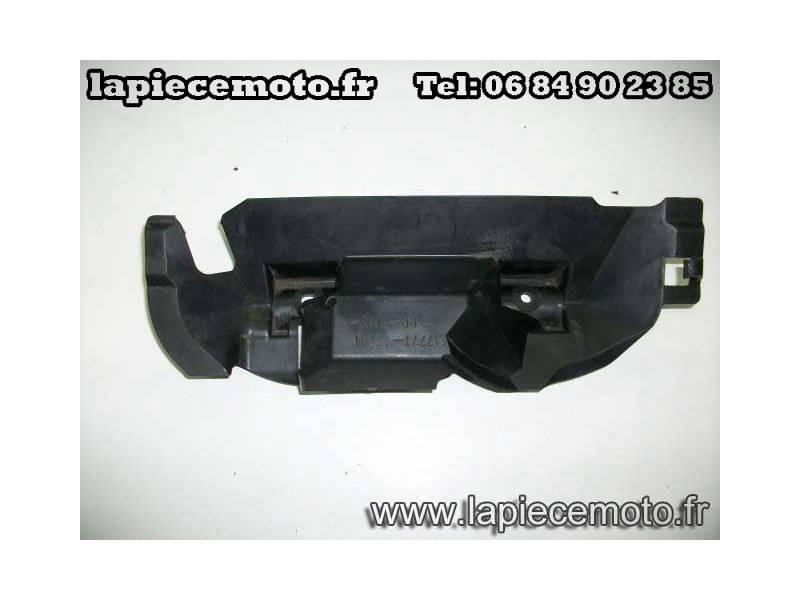 Protection palstic faisceau dessous collonne direction SV 650 S