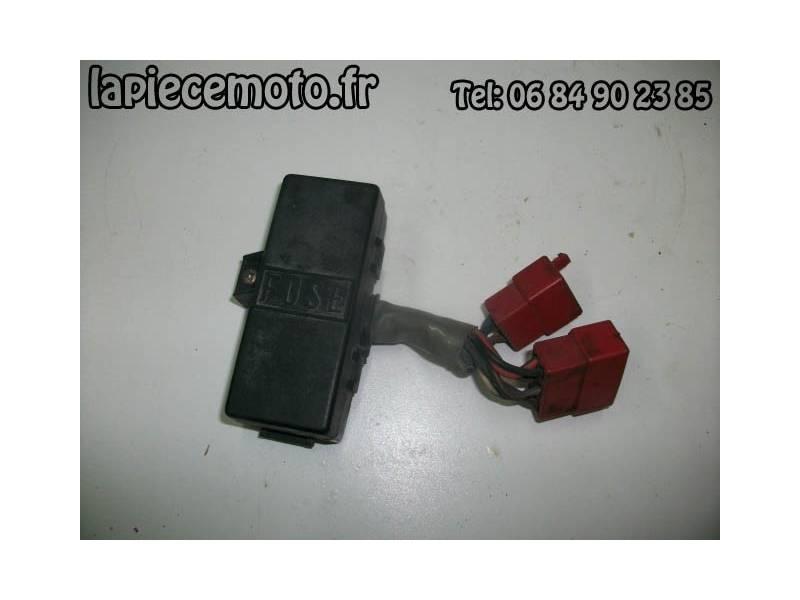 Boite à fusibles HONDA 750 VFC RC28