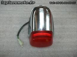 Feu rouge HONDA 125 CLR...